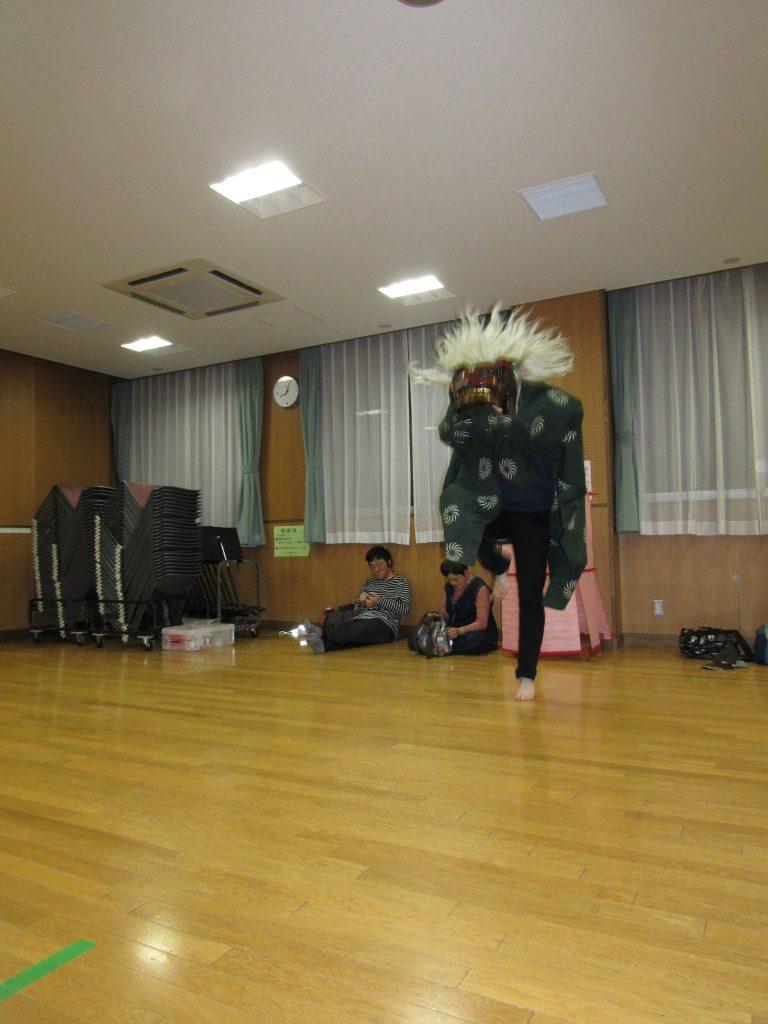 獅子舞練習[一人立ち]2