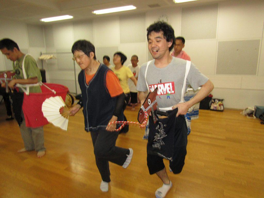 荒馬踊り練習(二つ跳び)