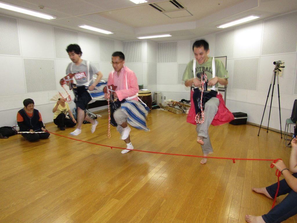 荒馬踊り練習(ジャンプ)